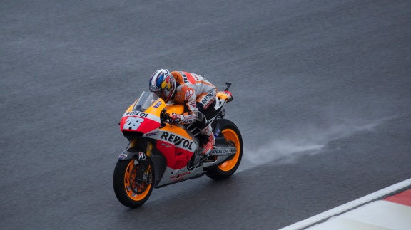 Dani Pedroza on back straight during wet FP2